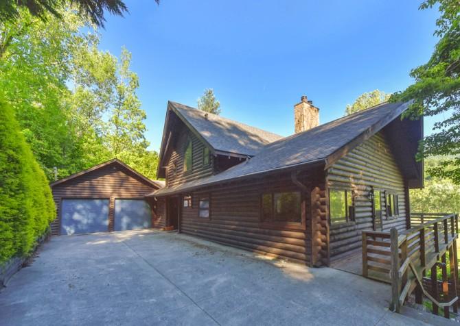Gatlinburg Cabins - Pop-A-Bear - Exterior
