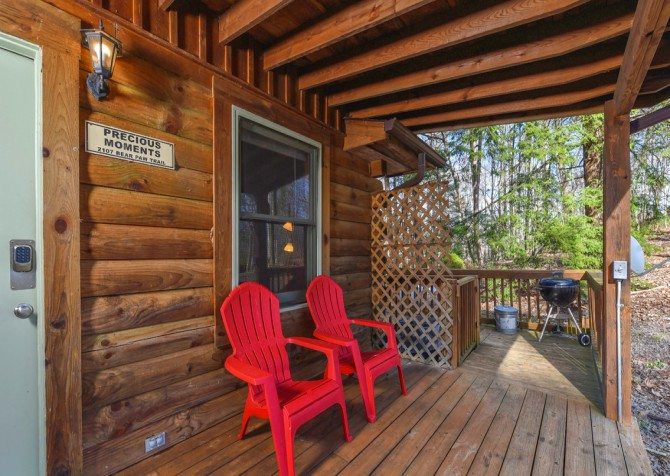 Gatlinburg Cabins - Precious Moments - Covered Deck