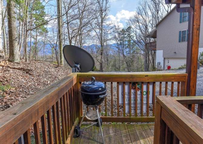 Gatlinburg Cabins - Precious Moments - Open Deck/Grill
