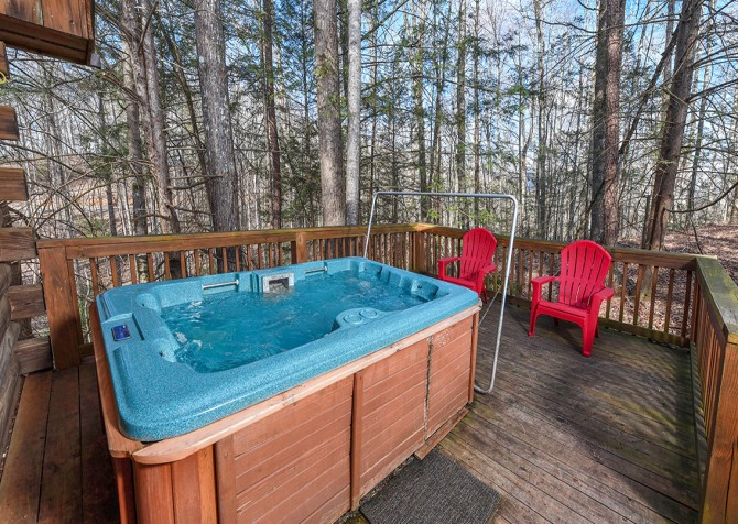 Gatlinburg Cabins - Precious Moments - Hot Tub
