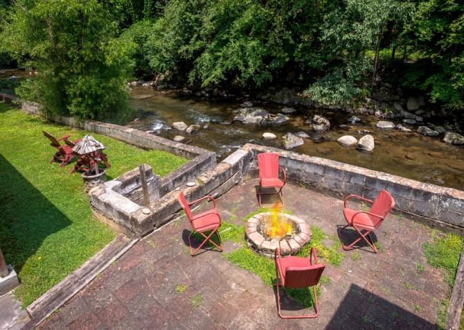 Gatlinburg Cabin - Simone's Cottage - Fire Pit