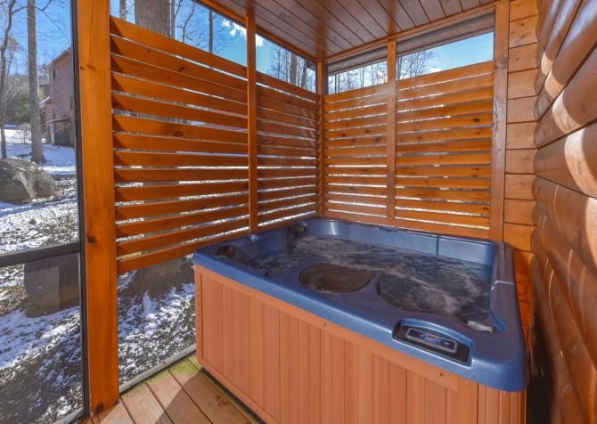 Gatlinburg - Smoky Oak Retreat - Hot Tub