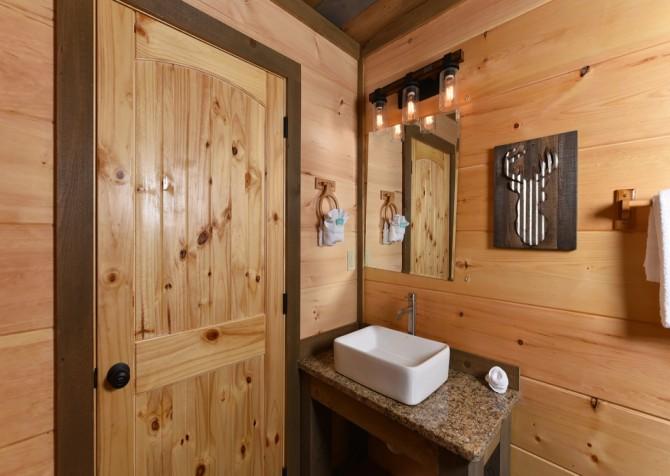 Gatlinburg - Splash N' Views - Bathroom