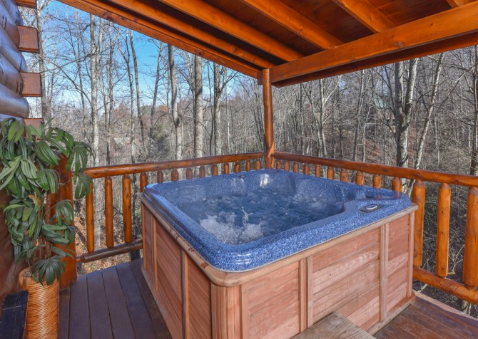 Gatlinburg Sweet Fantasy Hot Tub