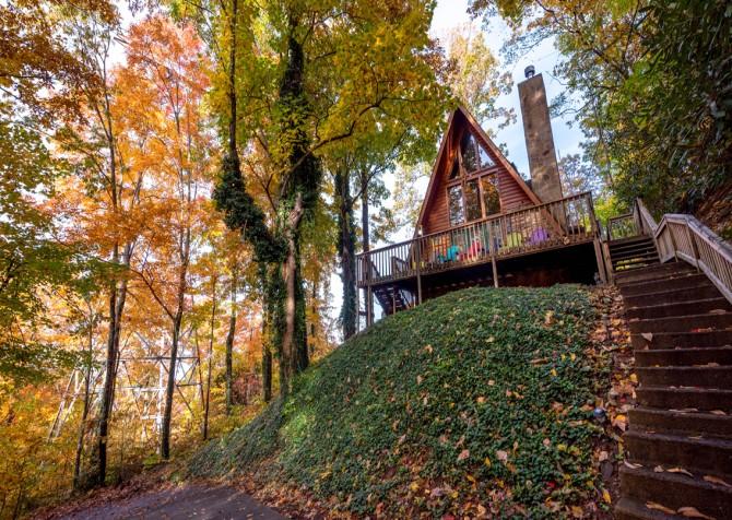 Gatlinburg Cabin - The Raven's Nest - Exterior