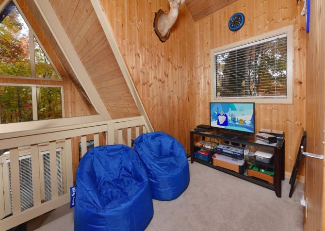 Gatlinburg Cabin - The Raven's Nest - Recreation