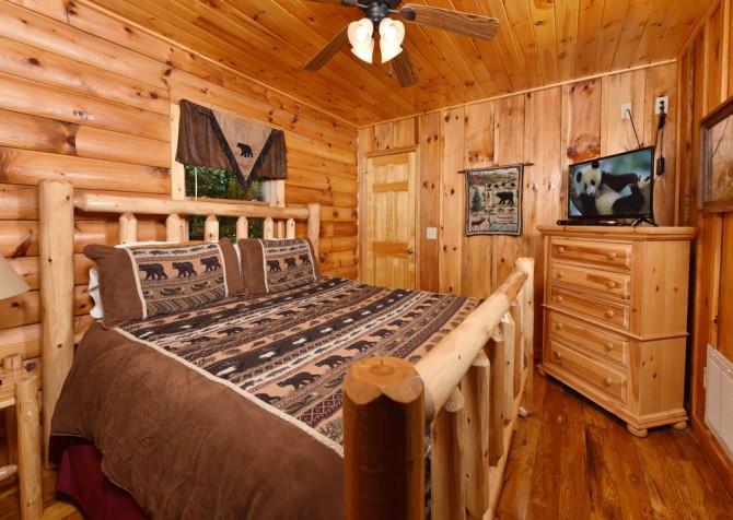 Gatlinburg Cabin - Think A Little Less - Bedroom