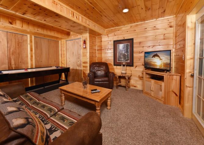 Gatlinburg Cabin - Think A Little Less - Rec Room