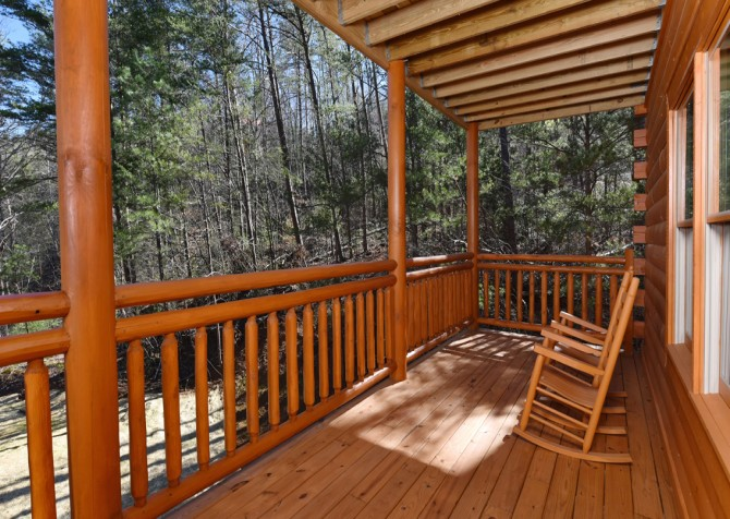 Pigeon Forge - Valley Lodge - Covered Deck