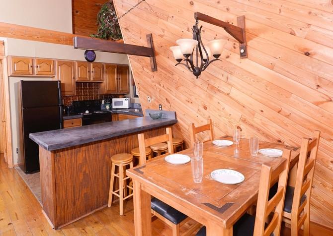 gatlinburg cabin – bird haven – kitchen