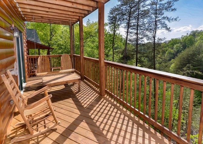 pigeon forge cabin – boo boo's den – view