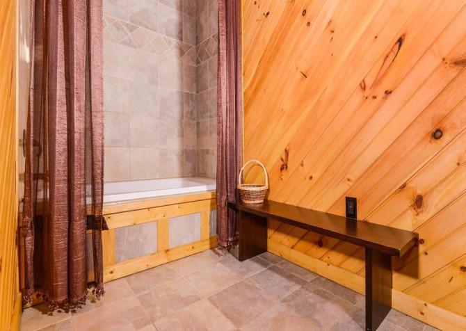 Gatlinburg - A Dream to Night - Bathroom
