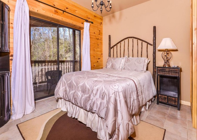 Gatlinburg - A Dream to Night - Bedroom 1
