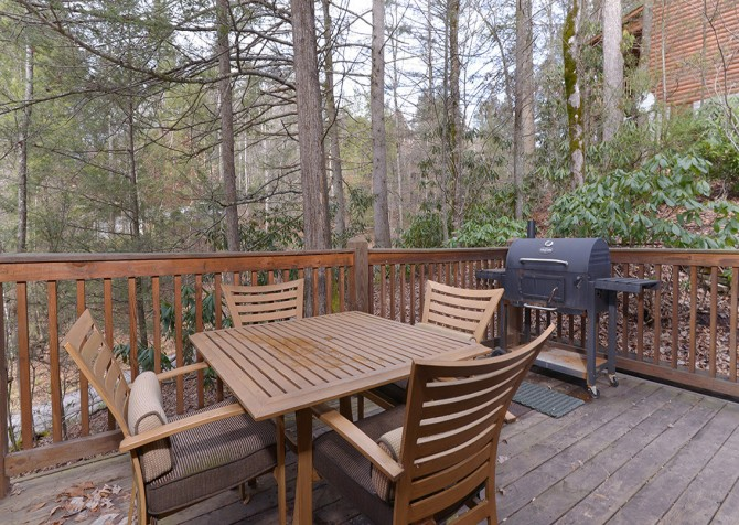 Gatlinburg Cabin - Hillside Escape - Deck Table and Grill
