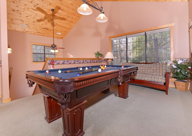 Gatlinburg Cabin - Hillside Escape - Pool Table