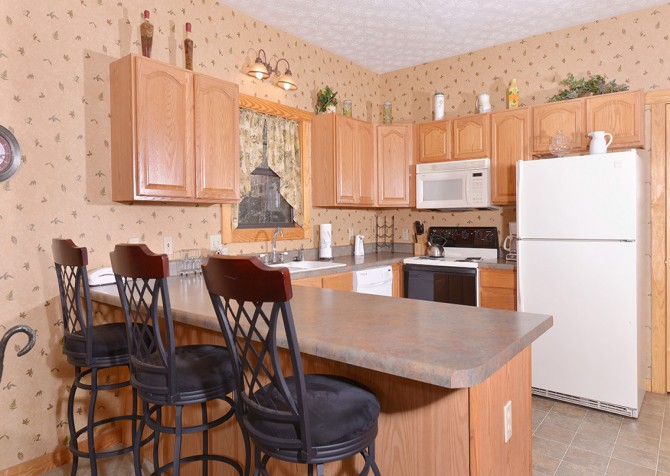 Gatlinburg Cabin - Hillside Escape - Kitchen Bar