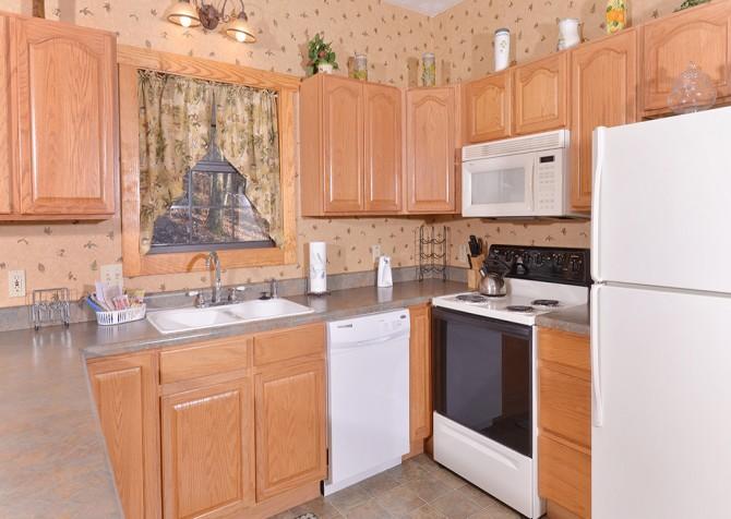 Gatlinburg Cabin - Hillside Escape - Kitchen