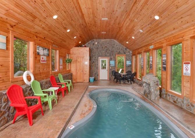 Gatlinburg Cabin - Holiday Springs - Indoor Pool Seating