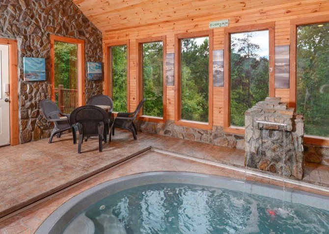 Gatlinburg Cabin - Holiday Springs - Private Indoor Pool Seating