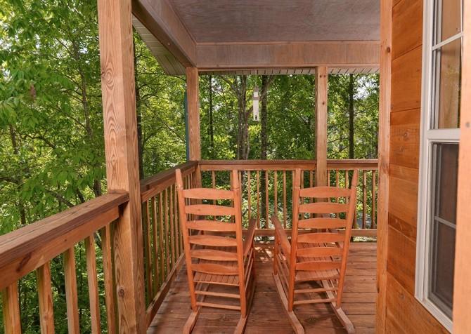 Gatlinburg Cabin - Honey Bear Heaven - Deck Rocking Chairs