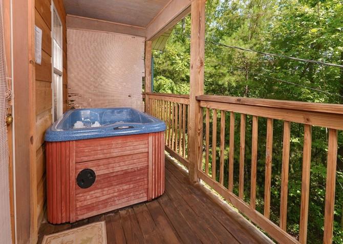 Gatlinburg Cabin - Honey Bear Heaven - Hot Tub