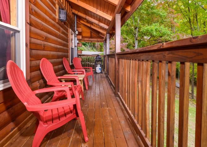 Gatlinburg Cabin- Jud's Place – Deck