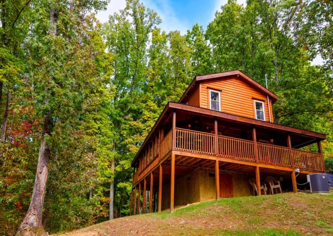 Gatlinburg Cabin- Jud's Place – Exterior