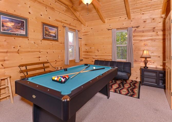 Gatlinburg Cabin- Jud's Place – Gameroom
