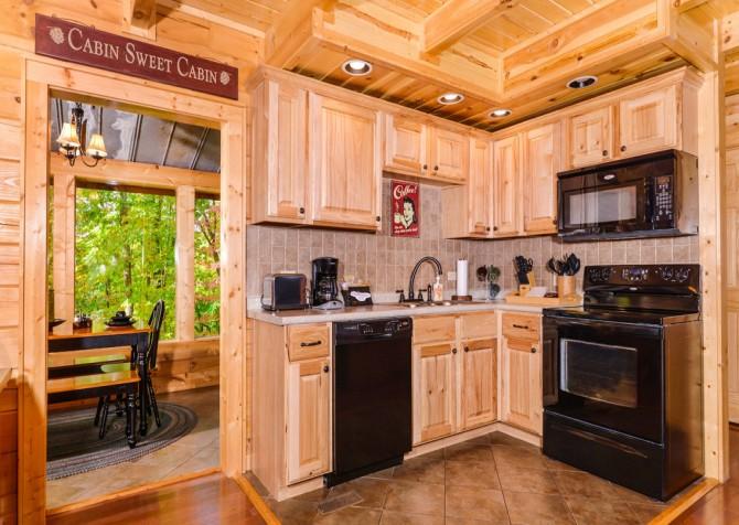 Gatlinburg Cabin- Jud's Place – Kitchen