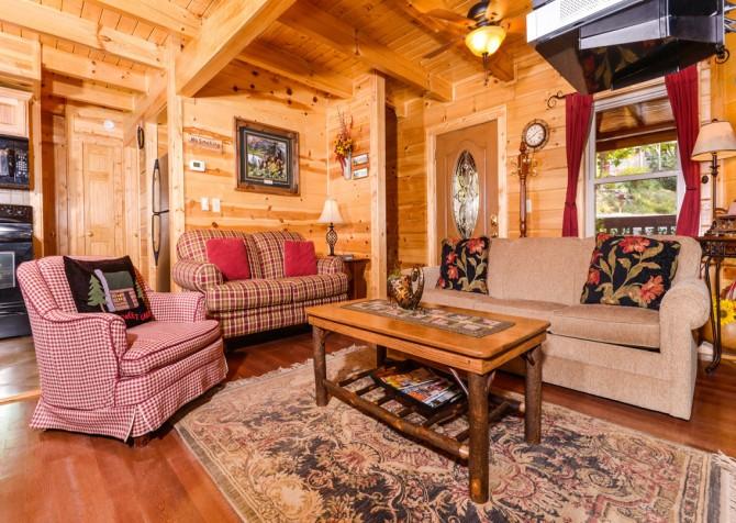 Gatlinburg Cabin- Jud's Place – Living Room
