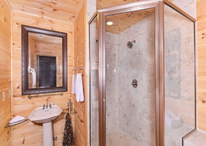 Gatlinburg - A Luxury View - Bathroom