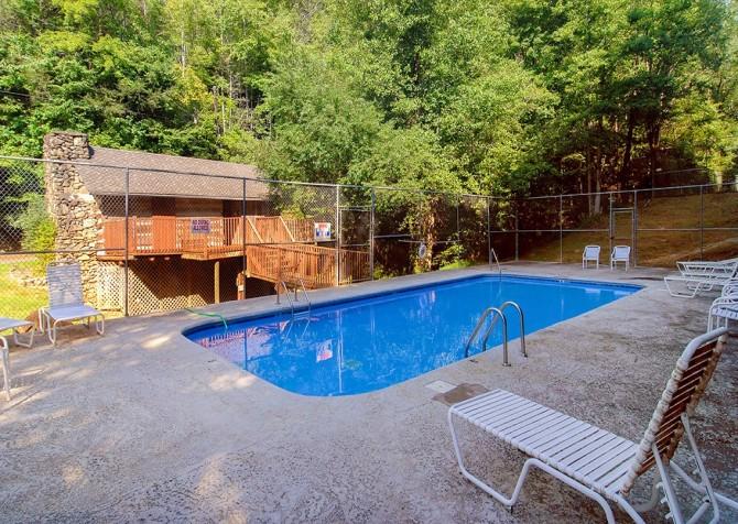 Gatlinburg - Cobbly Nob Resort - Pool