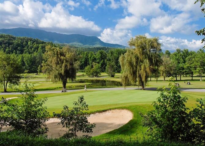 Gatlinburg - Cobbly Nob Resort - Golf Course