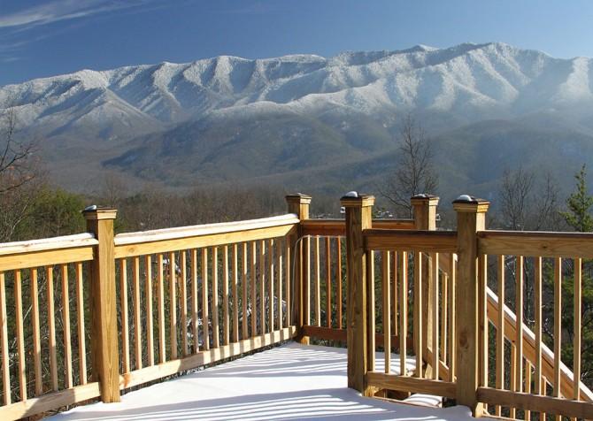Gatlinburg - A Luxury View - Deck Winter View
