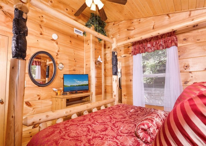 Gatlinburg - A Million Dollar View - Bedroom 1