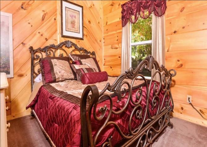 Gatlinburg - A Million Dollar View - Bedroom 3