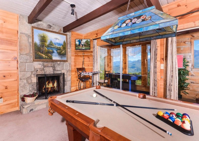 Gatlinburg - A Million Dollar View - Gameroom