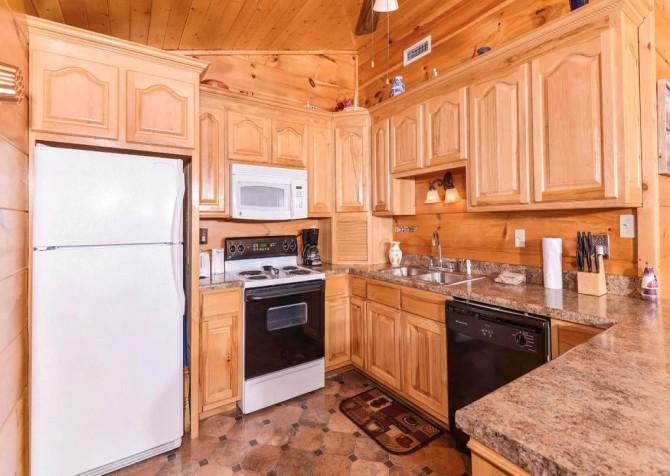 Gatlinburg - A Million Dollar View - Kitchen