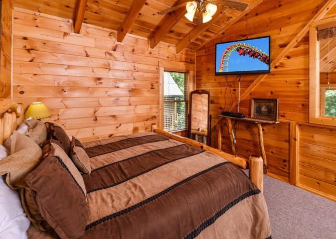 Gatlinburg Cabin- Mountain View Lodge – Bedroom