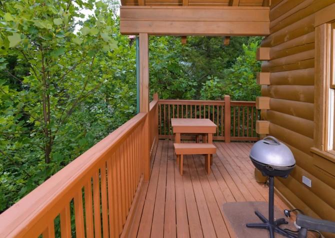 Gatlinburg Cabin- Mountain View Lodge – Grill