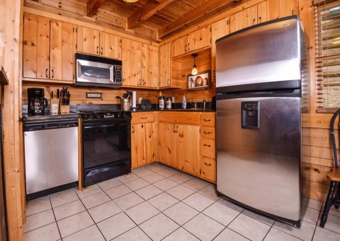 Gatlinburg Cabin- Mountain View Lodge – Kitchen