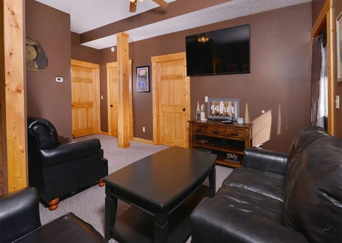 Gatlinburg Cabin- Mountain View Lodge – Media Room