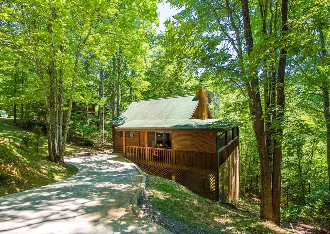 Gatlinburg Cabin- Nature's Splendor - Exterior