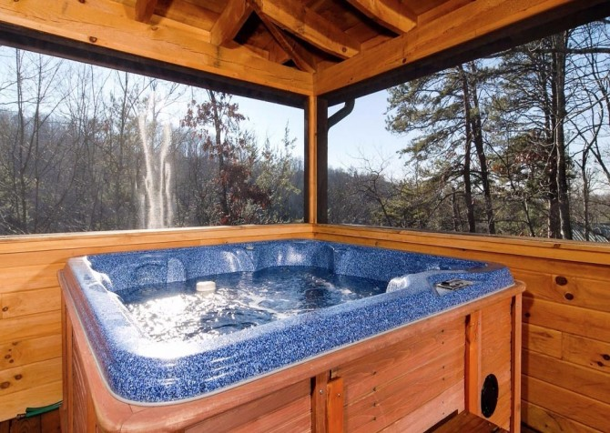 Gatlinburg Cabin- Nature's Splendor - Outdoor Hot Tub