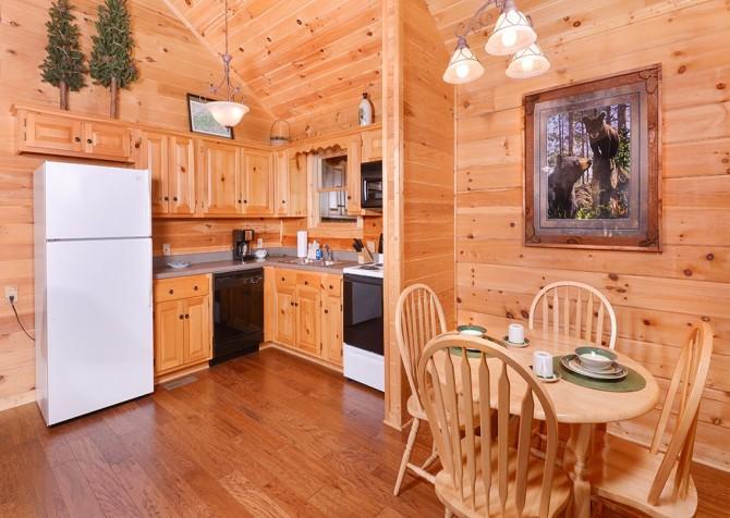 Gatlinburg Cabin- Nature's Splendor - Kitchen