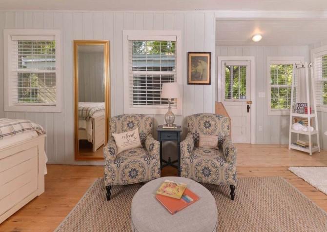Gatlinburg Cabin- On River Time – Bedroom Seating