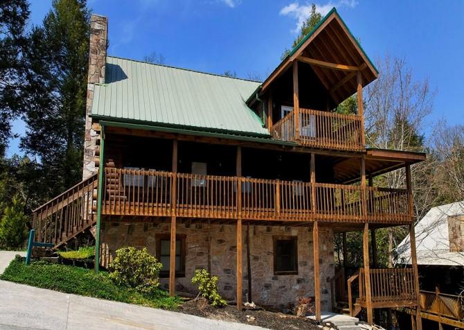 Gatlinburg Cabin- Our Mountain Home – Exterior