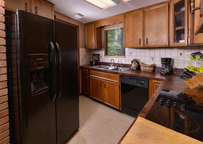 Gatlinburg Cabin- Panorama Point – Kitchen