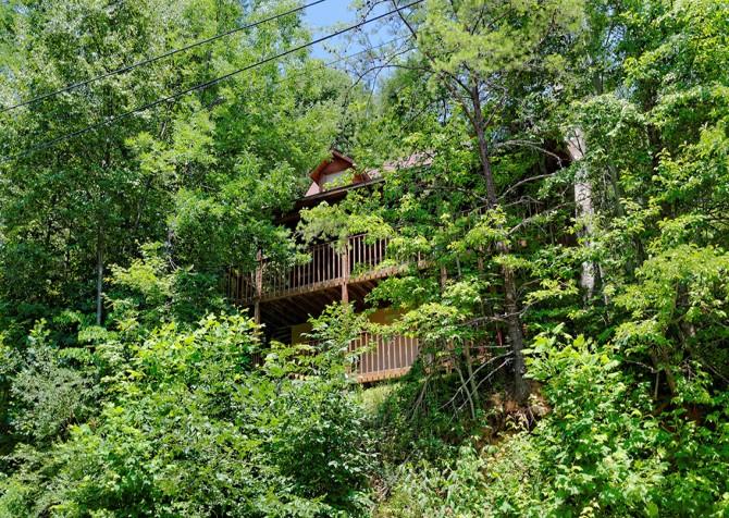 Gatlinburg Cabin- Paradise – Exterior