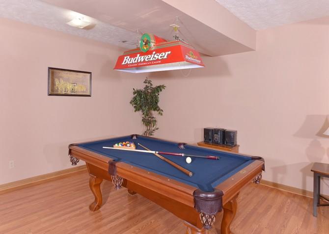 Gatlinburg Cabin- Paradise – Pool Table